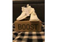 Yeezy 350 boost triple white