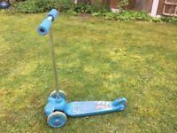 Children's 3-wheel scooter