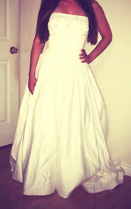 **Wedding Dress** Reduced*