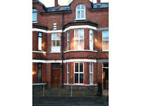 2 Bedroom furished apartmenrt with gas heating of Antrim road