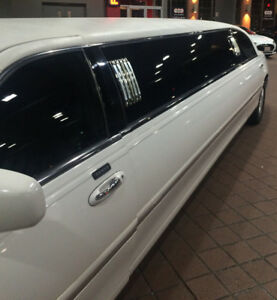 10 Passengers Stretch Limo 2007 Lincoln Town Car