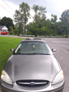 2002 ford Taurus for sale low Km