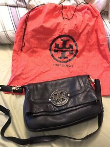 Auth Tory Burch Amanda Black Leather Flodover Bag