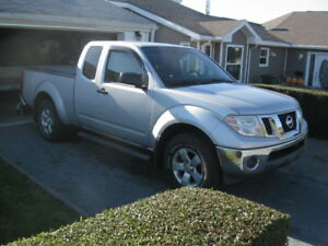 2012 NISSAN FRONTIER SV 4X4 KING CAB ONLY 107,000KMS