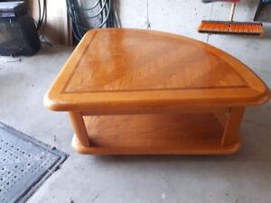 Table qui se lève + tables de bout / Rise top coffee &end tables