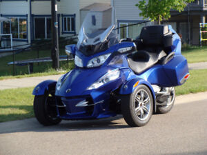 CAN-AM Spyder RTS-SE5