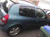 Renault Clio for sale. Needs attention