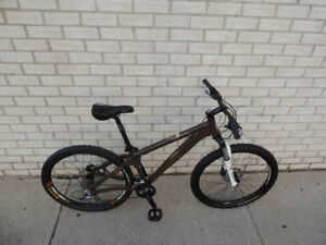 "NORCO,""ROCK SHOX"", HYDRAULIC BRAKES,DIRT/MOUNTAIN BIKE,VERY NICE"