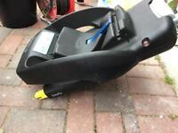Maxi Cosi Easyfix Base and Cabriofix Seat