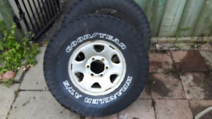 Good Year 31 10.5 R15 Wrangler Tires and Rims for Toyota