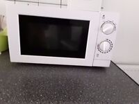 Urgent sale 17 L manual Microwave excellent condition available with box bill roughly 1.5 years old