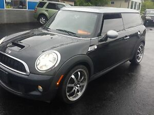 2008 MINI Cooper Clubman S leather 5 speed. www.pattersonauto.ca