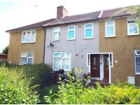 CLEAN AND TIDY 3 BEDROOM HOUSE AVAILABLE TO RENT IN RM10, ONLY £1550..**PART DSS ACCEPTED**