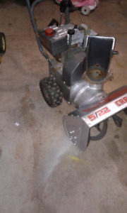 Craftsman 5/22 snowblower.  Needs nothing ready to go