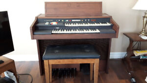 Hammond organ - free to a good home