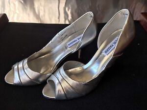 Steve Madden - Never Worn - size 8 High Heel Shoes