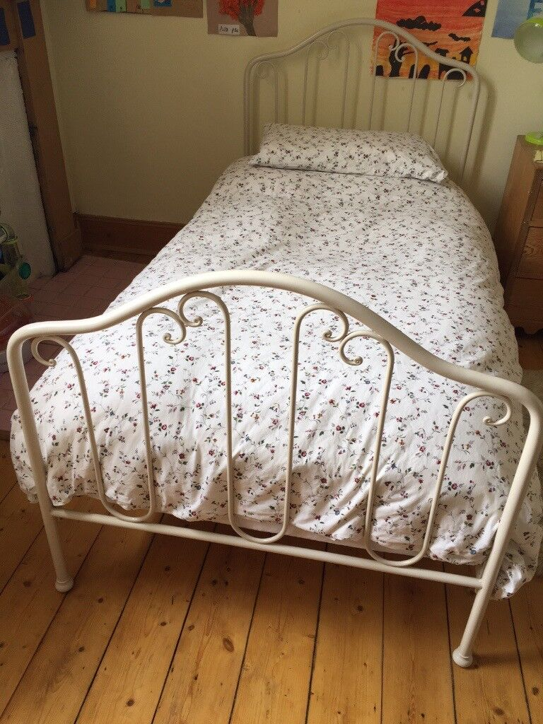 Lovely Laura Ashley Single Bed