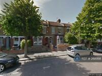 3 bedroom house in Clarendon Road, London, SW19 (3 bed)