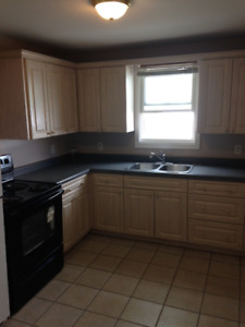 **CLEAN & COZY 2 BEDROOM HOUSE**