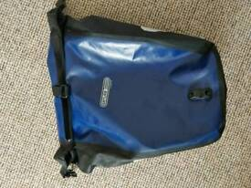 Ortlieb Waterproof back roller classic + security cable