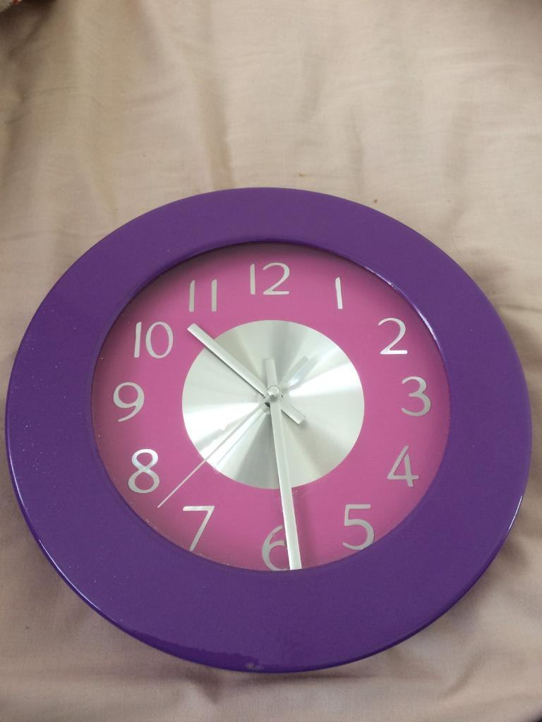 Girls wall clock in leicester leicestershire gumtree girls wall clock amipublicfo Choice Image