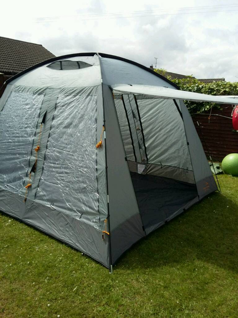 Tent with built in ground sheet