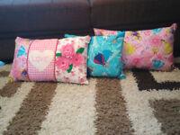 3 children cushions