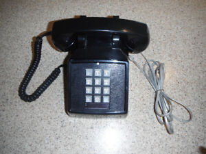 Vintage-Push Button Phone in Black