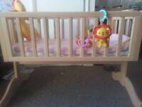 Swing cot/crib bed