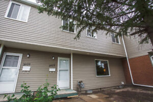 3 Bedroom Townhouse in Whitmore Park - 3922 Castle Road