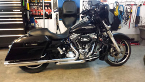 2012 Street Glide with extras! Must be Seen!