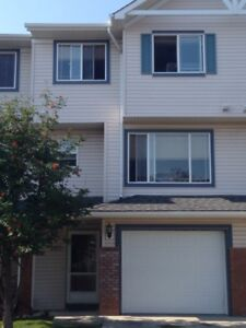 Nw Rocky Ridge TownHouse for rent