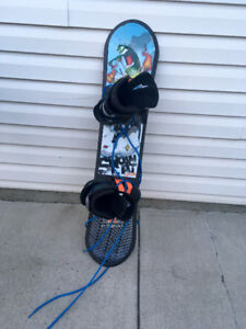 110 cm snowboard and Size 1 firefly boots