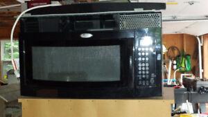Under cabinet Whirlpool 1000 Watt microwave