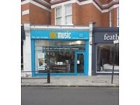 SALES ASSISTANT REQUIRED FOR LONDON MUSICAL INSTRUMENT SHOP (FULHAM SW6). Full time.