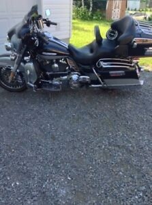 Selling my 2012 HARLEY DAVIDSON ULTRA LIMITED MOTORCYCLE