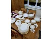 Full chinaware set - Royal Doulton