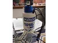 Pressurised portable car wash by hozelock