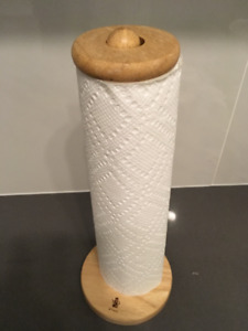 Wooden paper tower holder