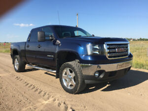 2011 Sierra 2500HD Duramax LML Built to last. No emissions left.