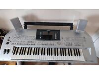 Mint Condition Yamaha Tyros 2 - with speakers and sub, CD course, stool and stand
