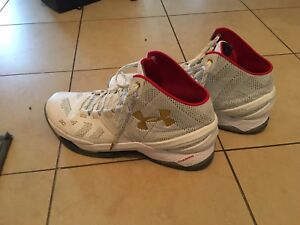 Curry 2 size 14