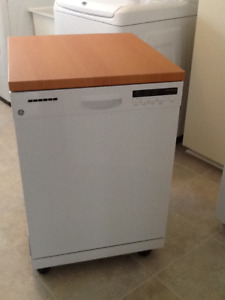 GE portable dishwasher with full warranty until Sept 2021