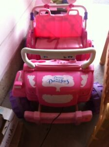 Battery powered jeep for girls