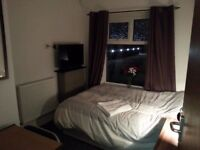 Lovely room in friendly refubished home w. garden - All bills included & Low deposit. Available now