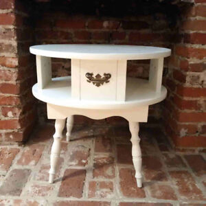 ANTIQUE SIDE TABLE/NIGHT STAND
