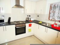 Bright double room available in friendly house,great location in East Ham FURNISHED