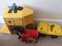 Vintage Pedigree Sindy Horse & Trailer