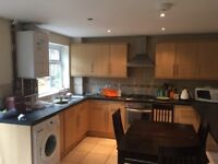Double room for single person to rent in Grove Cresent KT1 2BG,