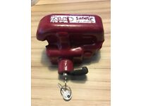 Al-ko hitch lock in good condition with two keys